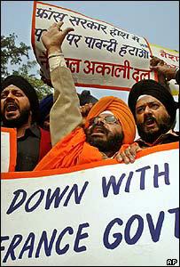 Sikhs demonstrating in New Delhi