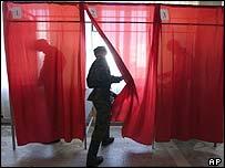 голосующие солдаты
