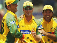 Gilchrist and Ponting congratulate Clarke