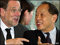 Javier Solana and China's foreign minister Li  Zhaoxing