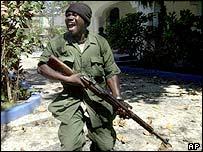 Rebelde armado de la oposición política haitiana