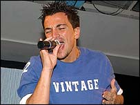 Peter Andre performing in 2004