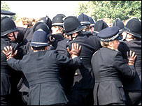 police push against pickets