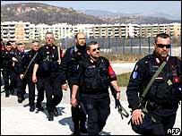 Italian carabinieri in Bosnia on their way to Kosovo