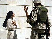 Iraqi nun talks to US soldier after bomb attack