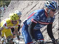 American Lance Armstrong (right)