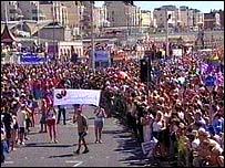 Crowds at Brighton Pride 2004
