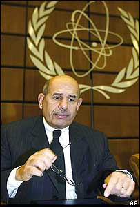 IAEA chief Mohammed ElBaradei (archive photo)