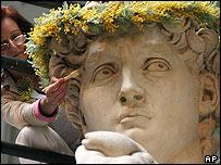 Cinzia Parnigoni restoring David
