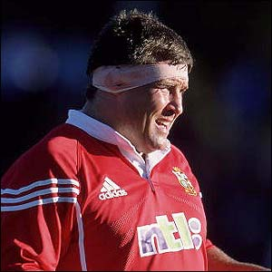 Leonard competes in his last Lions tour as the side tour Australia in June 2001