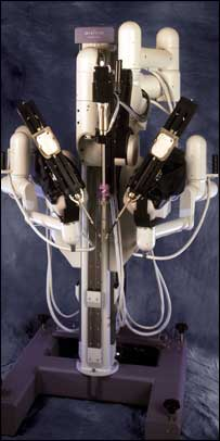 image of the da Vinci robot