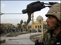 Saddam statue is pulled down