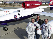 The Virgin GlobalFlyer team beside the jet (l-r: Richard Branson, Burt Rutan, Steve Fossett)