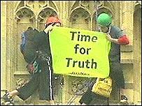 Protesters climb Big Ben