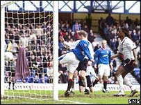 Lovenkrands knocks in the first goal of the game
