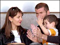 Zinedine Zidane enjoys some down time with his family