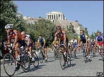 Ciclistas en Atenas