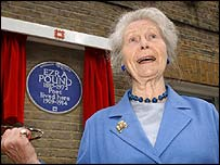 Pound's daughter Mary de Rachewiltz at the unveiling ceremony