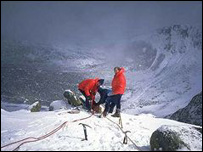 The Braemar Mountain Rescue team at work