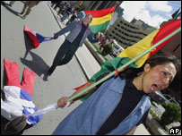Bolivianos en ceremonias del Día del Mar.