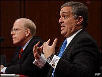 El director de la Agencia Central de Inteligencia de Estados Unidos, George Tenet