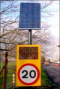 Solar powered speed detection sign