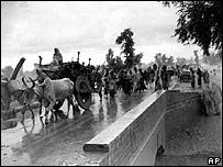 Musulmanes huyendo hacia Pakistán tras la partición de India.