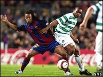 Ronaldinho and Didier Agathe challenge
