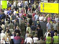 Thousands queue at Gatwick airport