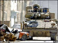 US tank near Imam Ali shrine