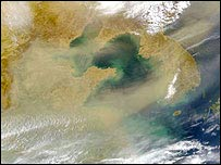 Dust storm over Korea   SeaStar/SeaWiFs/Nasa