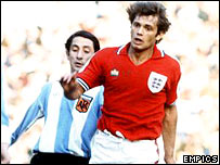 England's Ray Wilkins takes on Argentina's Ossie Ardiles in 1977