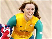 Anna Meares wins gold in the cycling