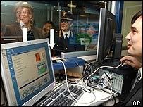 Working prototype of the Italian electronic passport