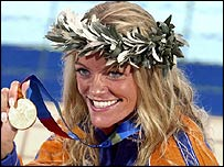 Inge de Bruijn of the Netherlands celebrates her Olympic victory