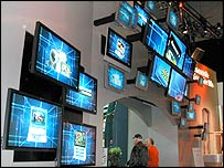 Display screens at CES 2004