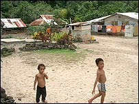 Children play in a Samoan village