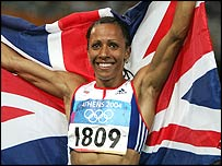 Kelly Holmes celebrates gold