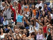 Зрители показывают свое недовольство оценкой выступления Алексея Немова