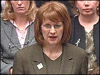 Beverley Hughes gives her resignation statement to MPs