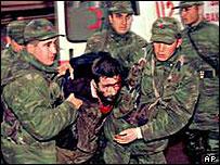 Turkish crackdown to end prison hunger strikes, December 2000