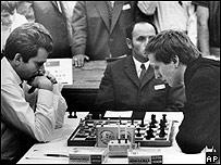 Spaskky y Fischer durante su enfrentamiento de 1972 en Islandia