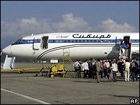 Самолет Ту-154 авиакомпании 'Сибирь' в аэропорту Сочи (архивное фото)