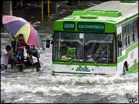 Bus in Manila flood  (AP)