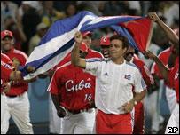Equipo cubano celebra el triunfo
