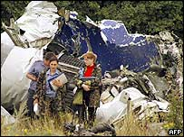 Wreckage from the Tu-154