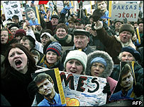 Paksas supporters in Vilnius, December 2003