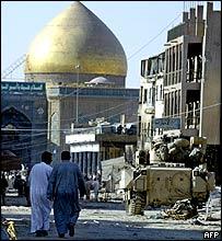 US tank outside Imam Ali shrine, Najaf