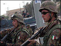 Italian soldiers in Nasiriya, November 2003