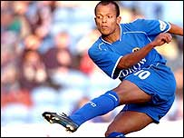 Cardiff striker Rob Earnshaw